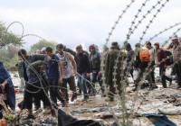 تعویق ۲۴ ساعته بیرون راندن پناهجویان از اردوگاه مانوس