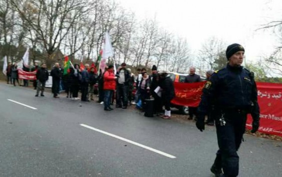 گزارش اکسیون اعتراضی سازمان سراسری پناهندگان ایرانی بیمرز  مقابل سفارت جمهوری اسلامی ایران در استکهلم   ۱۲ نوامبر ۲۰۱۷