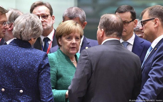 آغاز نشست سران اتحادیه اروپا با بحث در باره پناهجویان
