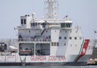 دهها پناهجو در یک کشتی گارد ساحلی ایتالیا راهی اروپا شدند