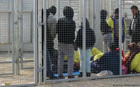 """دولت مجارستان به پناهجویان """"گرسنگی میدهد"""""""