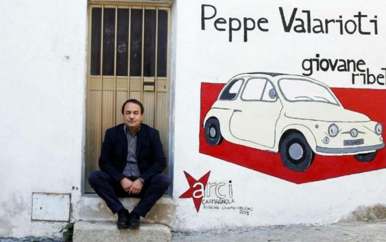 یتالیا؛ بازداشت خانگی شهردار مشهور حامی پناهجویان