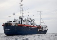 وایکینگها در دریاها پناهجویان را نجات میدهند