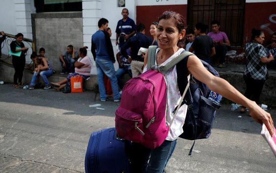 کاخ سفید میخواهد پناهجویان را به «شهرهای پناه دهنده» منتقل کند