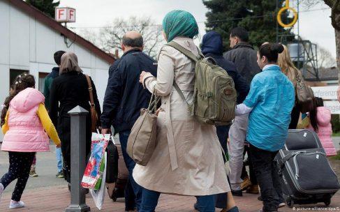 فرانسه برای نخستین بار پذیرش مهاجران کار را سهمیهبندی میکند