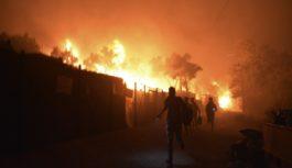 بزرگترین اردوگاه مهاجران یونان طعمهٔ حریق شد