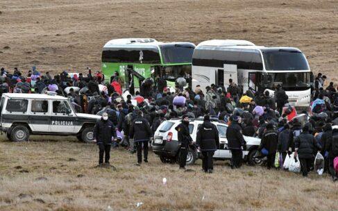 لغو سفر به ناکجاآباد؛ پناهجویان با پای پیاده به اردوگاه سوخته بوسنی بازگردانده شدند