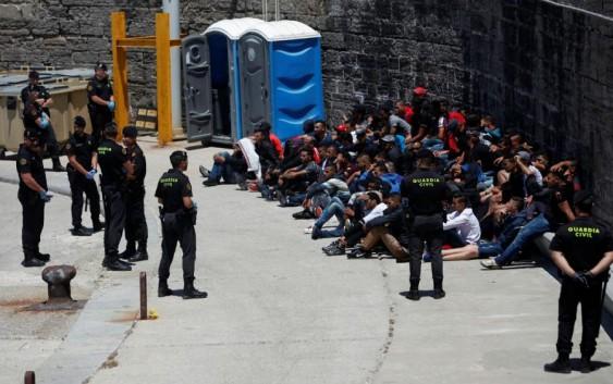 درگیری میان پناهجویان عمدتا ایرانی و افغان با پلیس کرواسی در مرز بوسنی