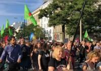 تظاهرات شهروندان هامبورگ علیه طرفداران راست افراطی