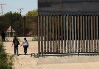 نجات بیش از۳۰۰ کودک مهاجر از شرایط «رقتبار» اردوگاه کلینت در تگزاس