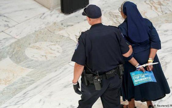مبارزه کاتولیکها علیه سیاست مهاجرتی ترامپ